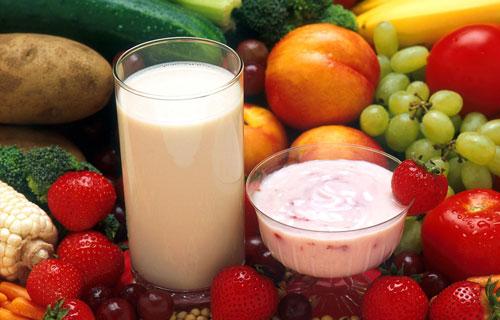 Trinkmilch für Schulkinder in der Grundschule Teichwolframsdorf